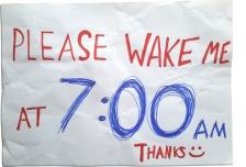 Ceduli položte vedle sebe, některý ze spolucestujících vás včas vzbudí
