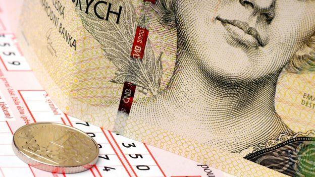 16 otázek kdaňovému přiznání: Kdy daní důchodci, jak správně uplatnit daňový bonus aslevu na manželku