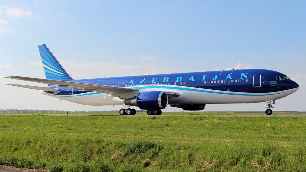 Azerbaijan Airlines | © Senohrabek | Dreamstime.com