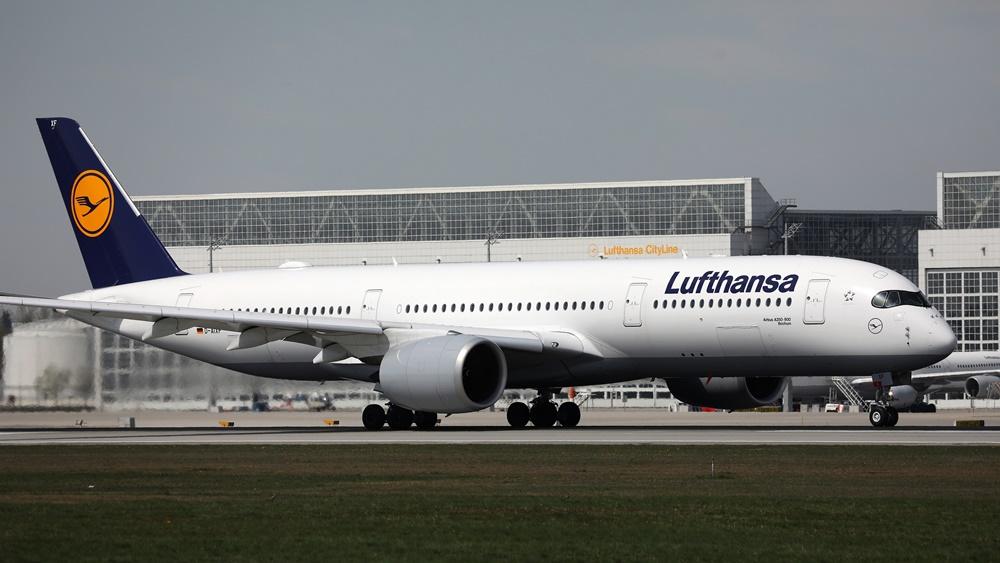 Lufthansa | © Colicaranica | Dreamstime.com