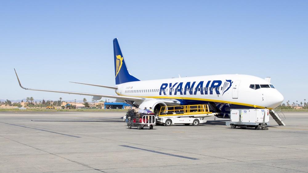 Ryanair | © Valentin Armianu | Dreamstime.com