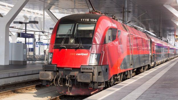 Aktuální slevy na železnici: Vídeň zPrahy za 800 Kč, Drážďany za 441 Kč, Košice od 252Kč