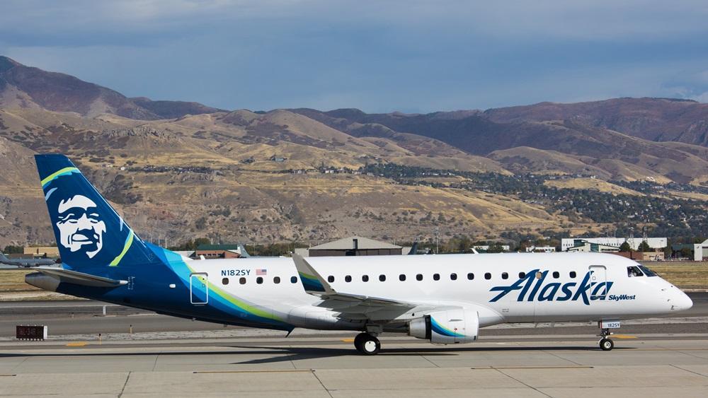 Alaska Airlines | © Valentin Armianu | Dreamstime.com