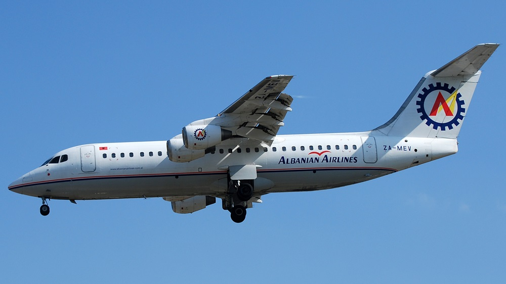 Albanian Airlines | © photo360 | Dreamstime.com
