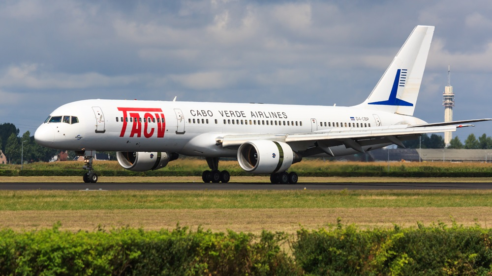 Cabo Verde Airlines | © Richair | Dreamstime.com