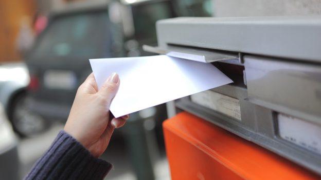 Česká pošta zdražuje: Za zaslání doporučeného dopisu nebo balíku si výrazně připlatíte