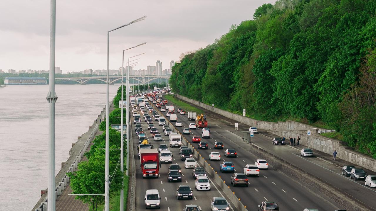 Dálniční poplatky Ukrajina 2021: Cena, placené úseky, informace pro řidiče