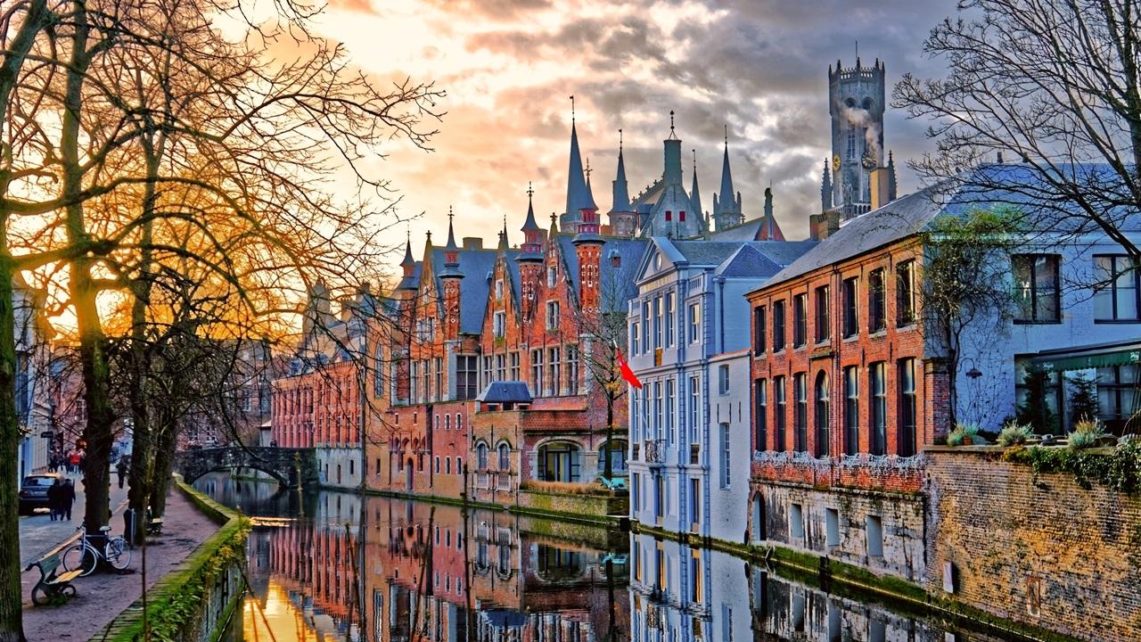 Dovolená Belgie   © Serge001   Dreamstime.com
