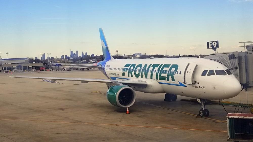 Frontier Airlines | © Khairil Junos | Dreamstime.com