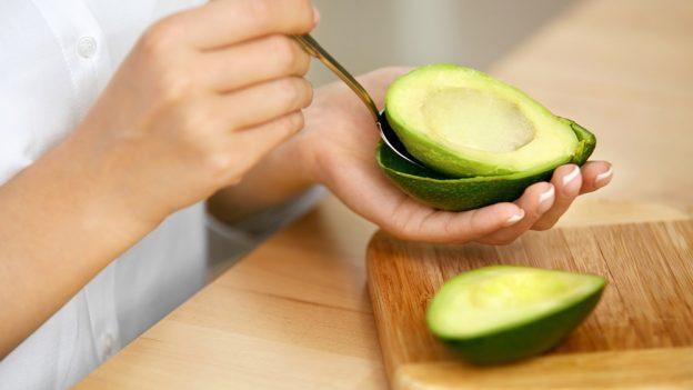 Jak jíst avokádo