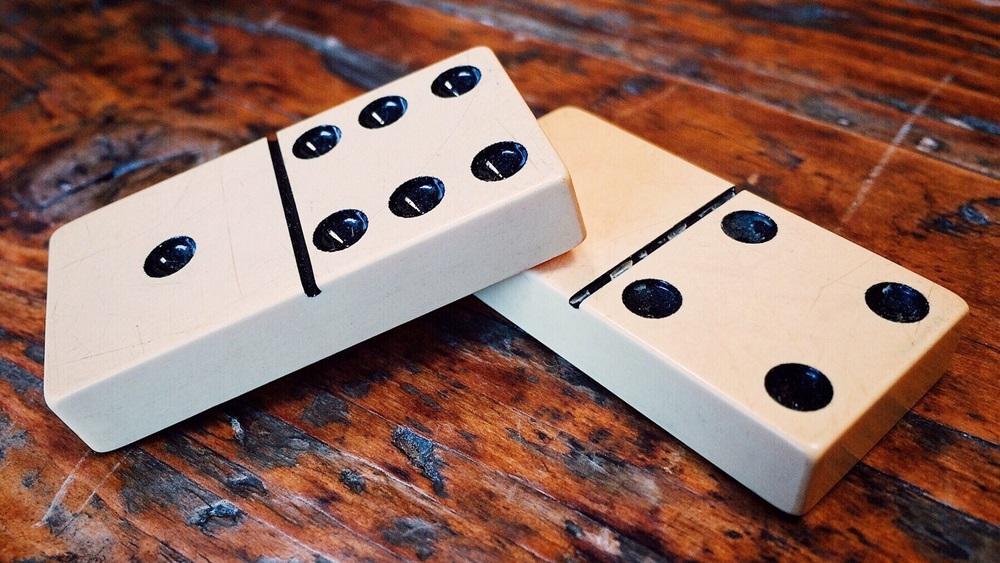 Jak se hraje domino
