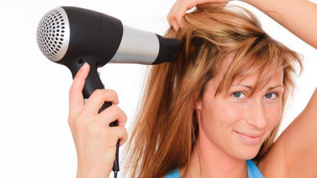 Jak si fénovat vlasy