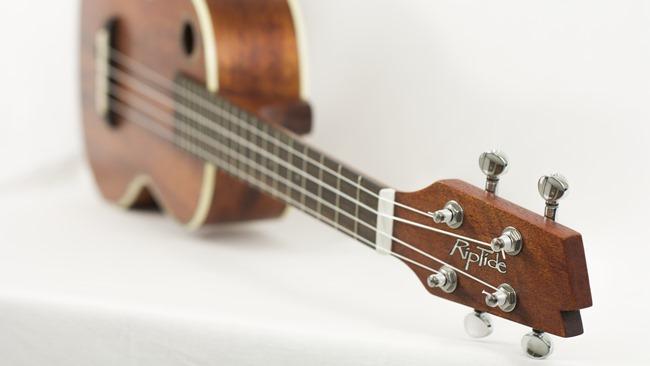 Jak vyměnit struny na ukulele
