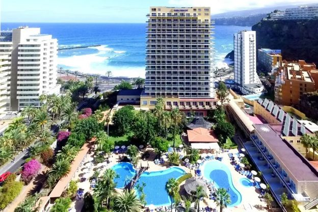 Kanárské ostrovy zPrahy na 5dní za 13807Kč (polopenze, 4* hotel)