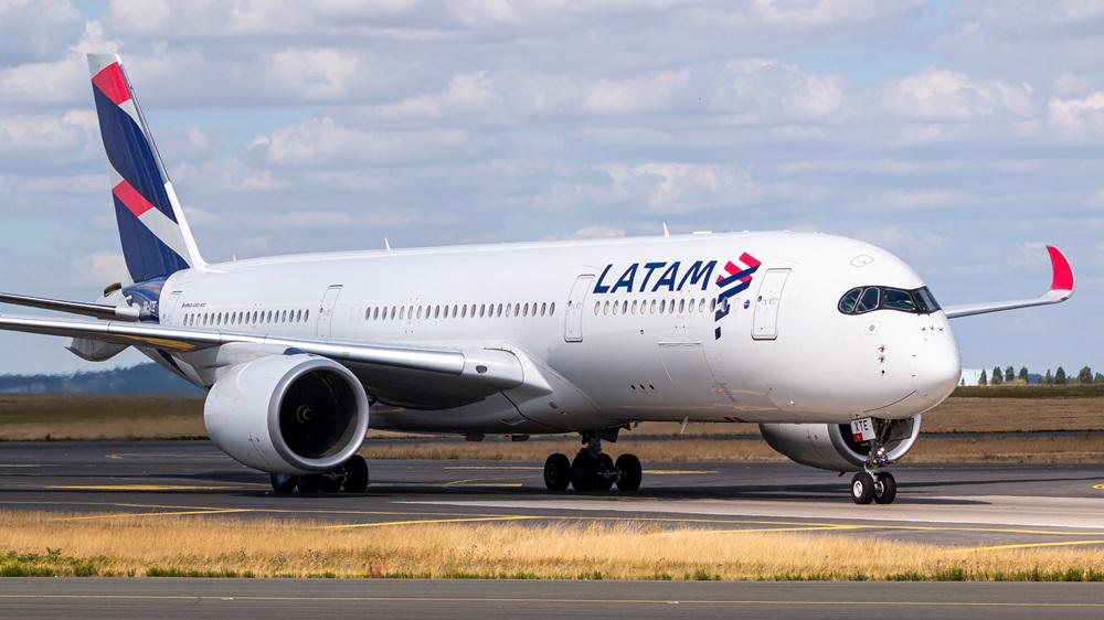 LATAM Airlines | © Lukas Wunderlich | Dreamstime.com