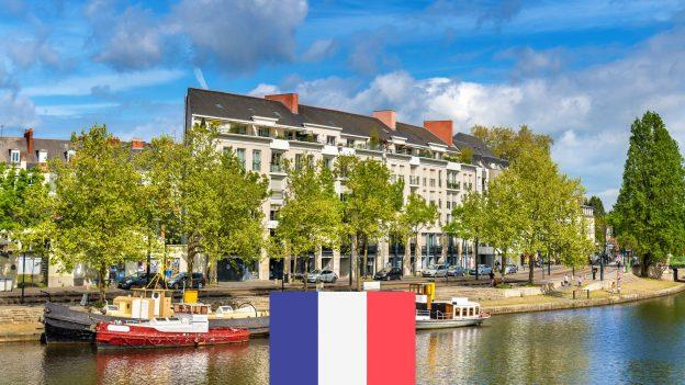 Nantes zPrahy od 1076Kč: Akční zpáteční letenky do srpna 2021