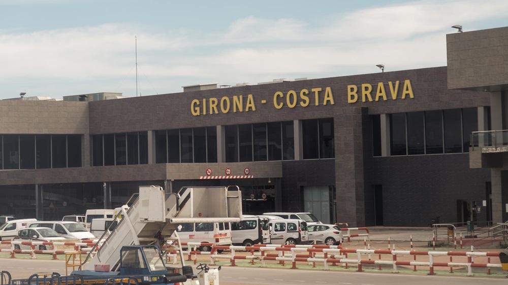 Letiště Barcelona Girona (GRO) | © Bestravelvideo .com - Dreamstime.com