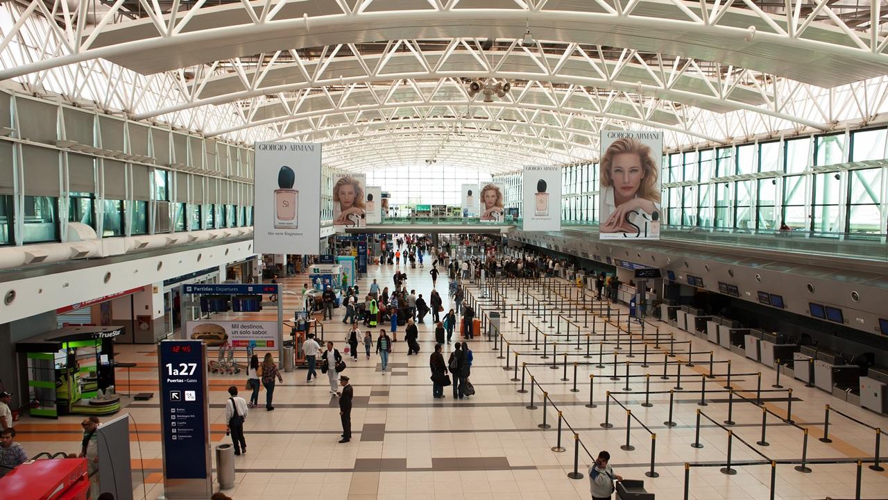 Letiště Buenos Aires (EZE)   © Edmund Holt   Dreamstime.com