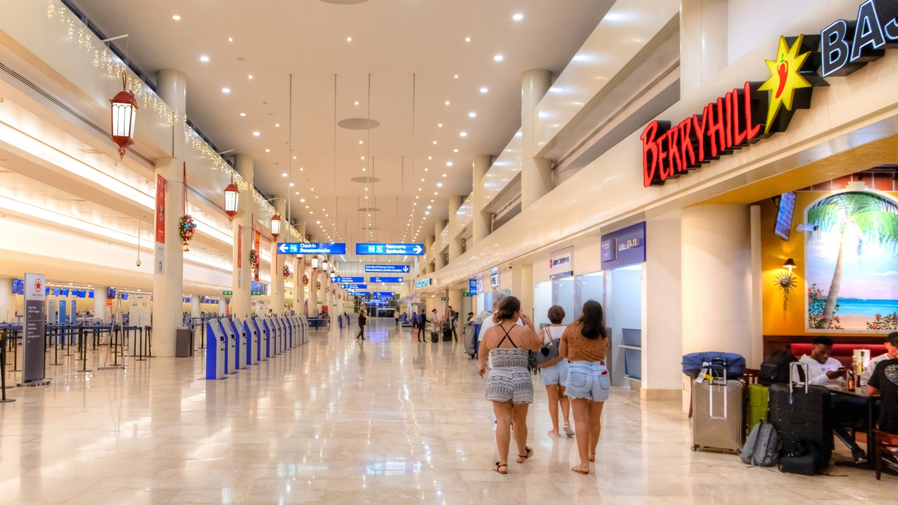 Letiště Cancún (CUN) | © Ronniechua | Dreamstime.com