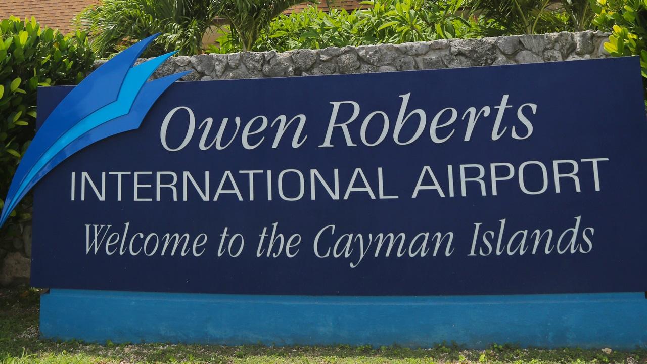 Letiště Grand Cayman (GCM)   © Zhukovsky   Dreamstime.com