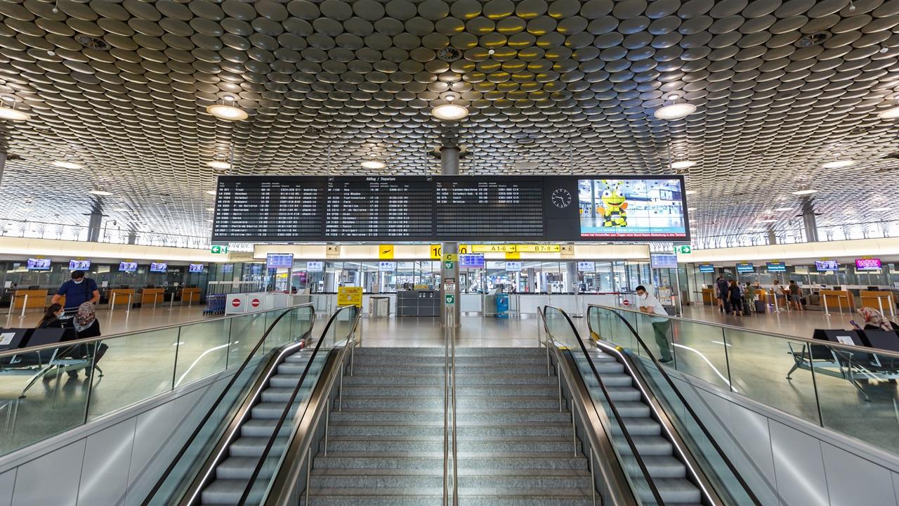Letiště Hannover (HAJ)   © Boarding1now   Dreamstime.com