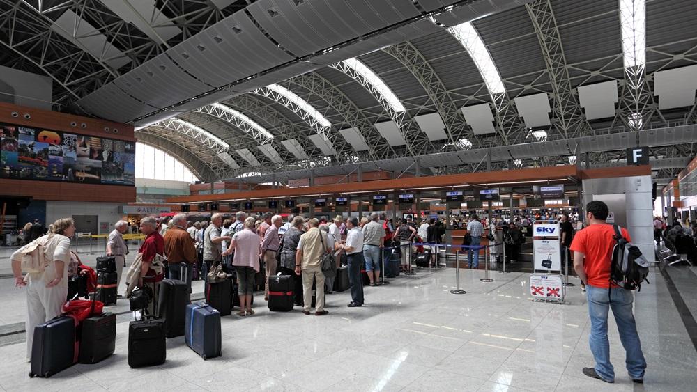 Letiště Istanbul Sabiha Gökcen (SAW) | © Typhoonski - Dreamstime.com