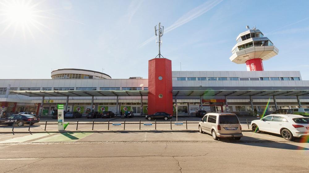 Letiště Klagenfurt (KLU) | © Carolannefreeling - Dreamstime.com