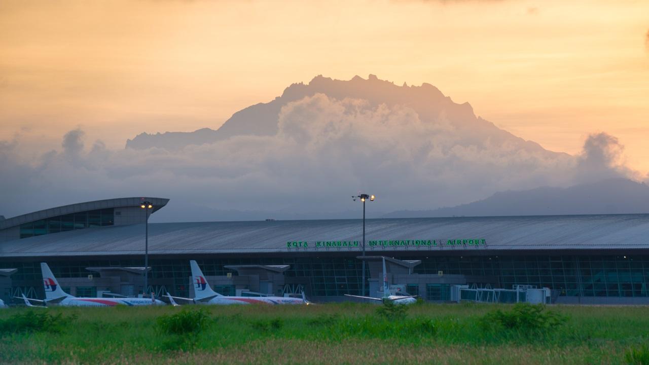 Letiště Kota Kinabalu (BKI)   © Matyas Rehak   Dreamstime.com