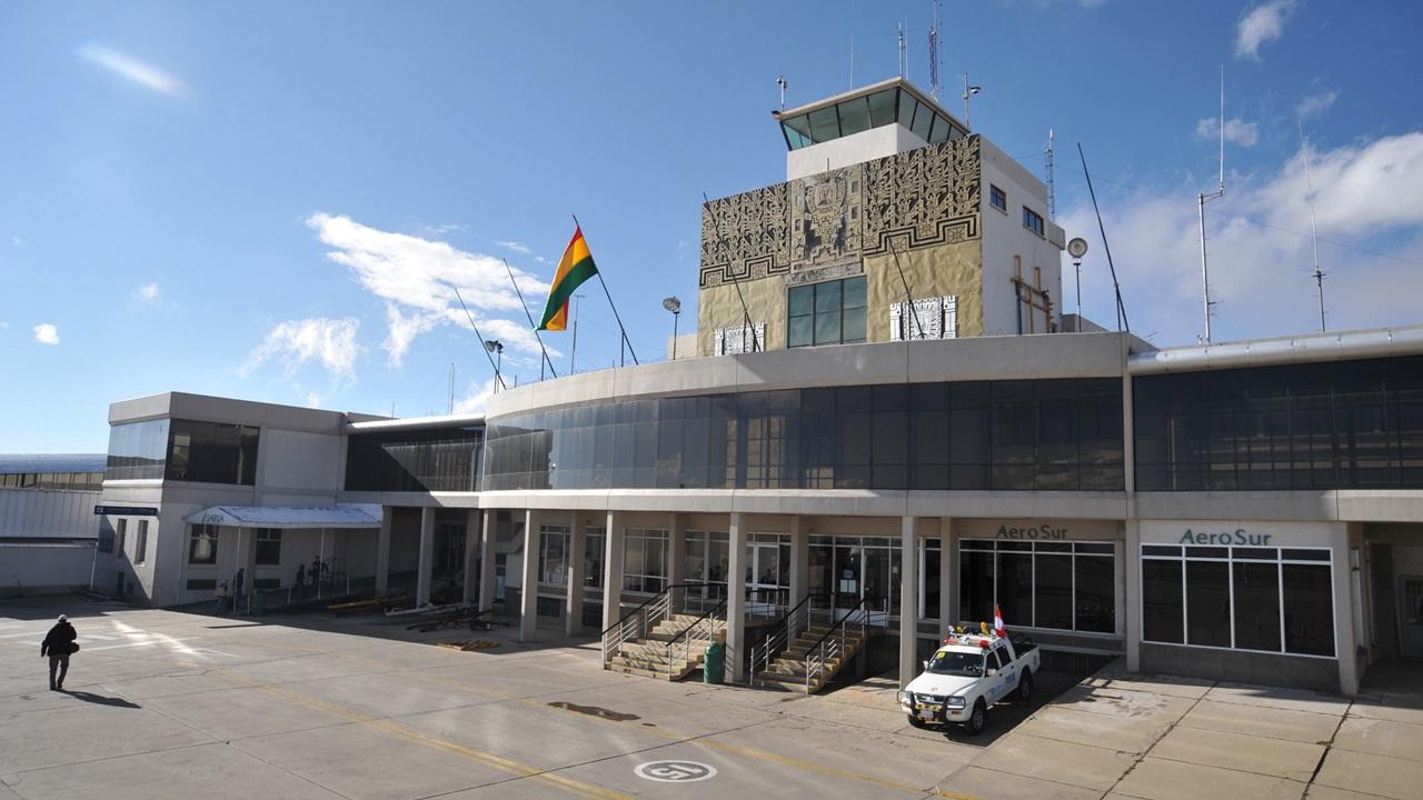 Letiště La Paz (LPB)   © Vladgalenko   Dreamstime.com