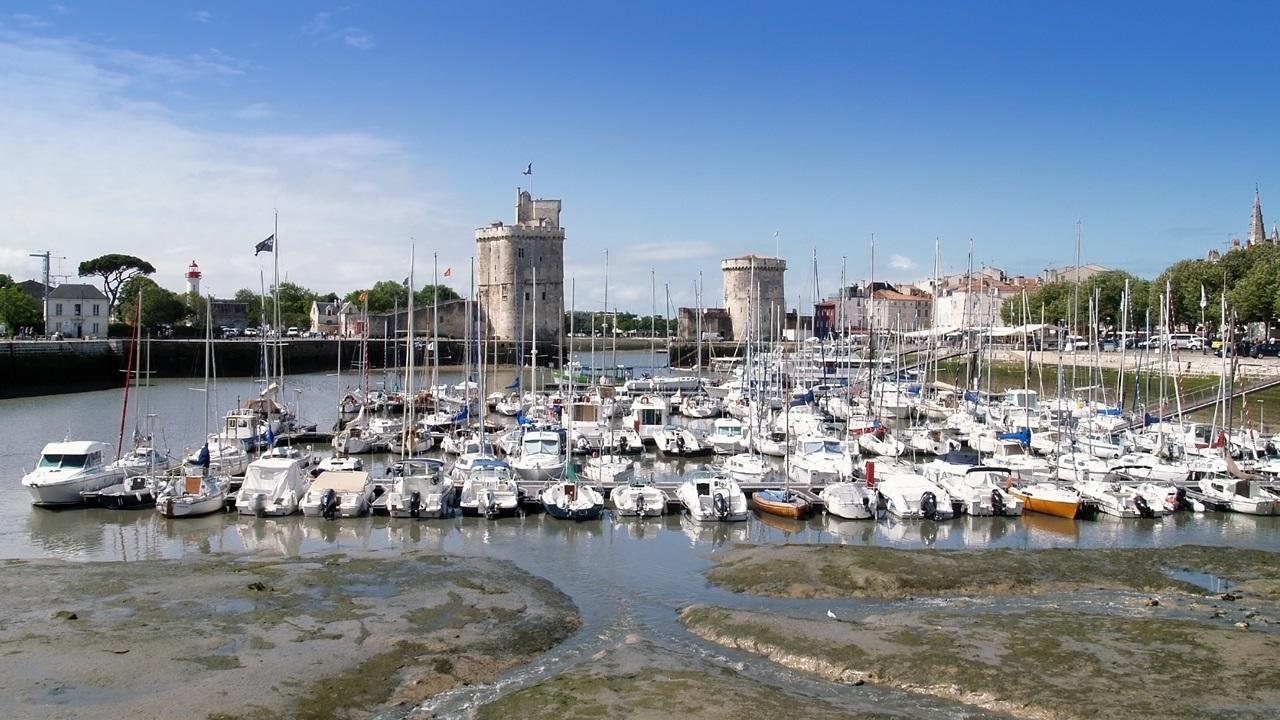 Letiště La Rochelle (LRH) | © Bunyos | Dreamstime.com