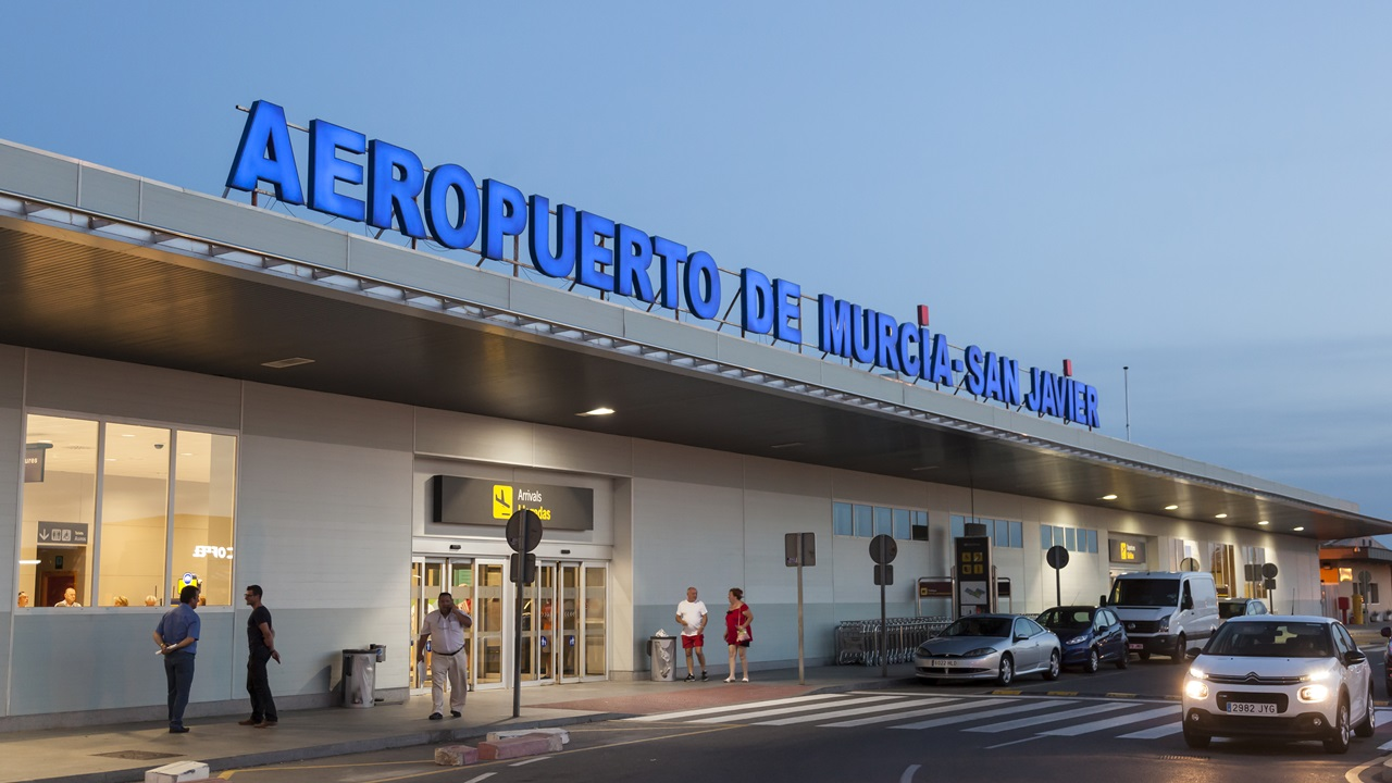 Letiště Murcia (RMU)   © Typhoonski   Dreamstime.com