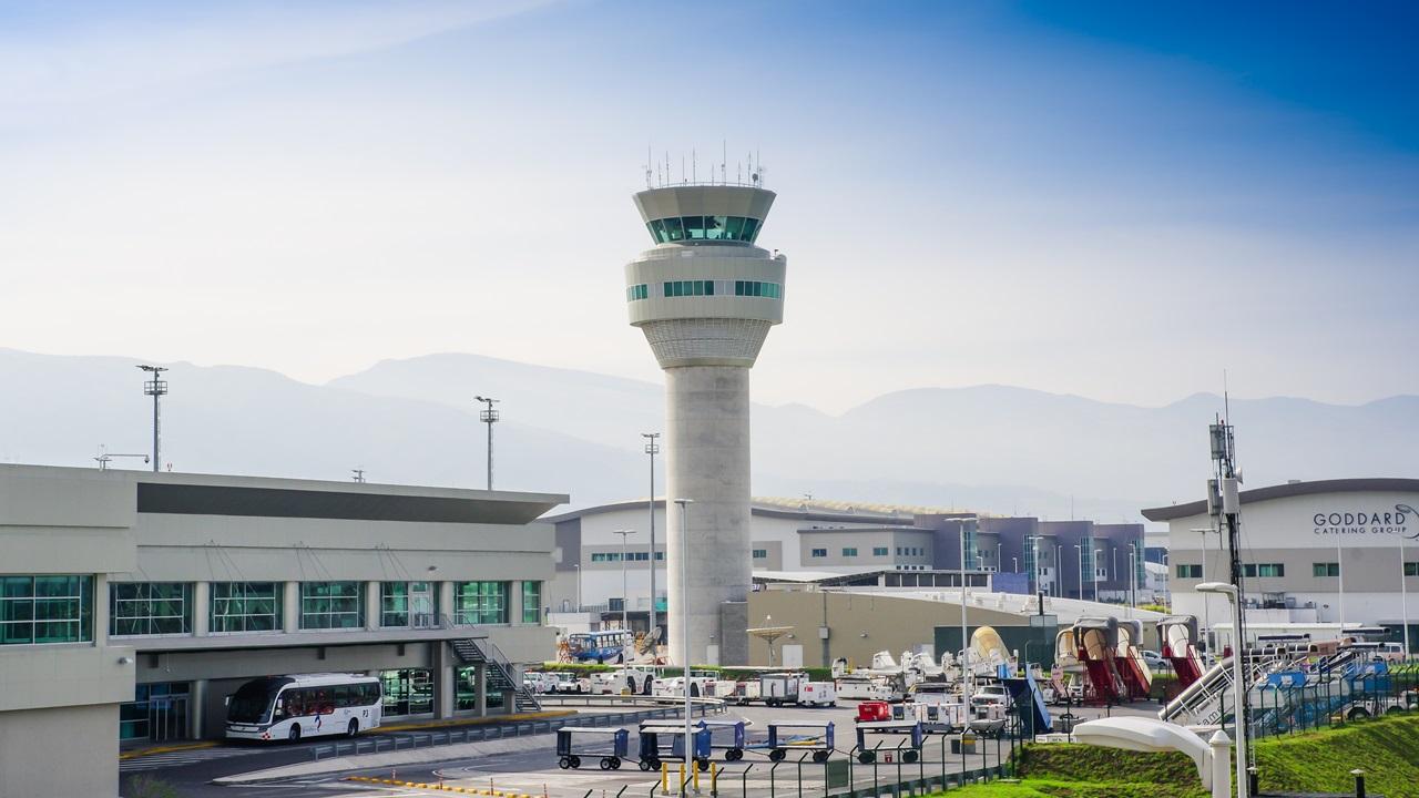 Letiště Quito (UIO)   © Pablo Hidalgo   Dreamstime.com