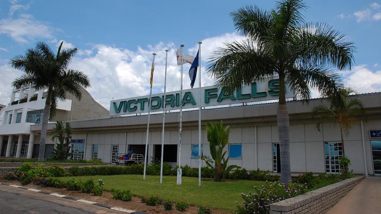 Letiště Victoria Falls (VFA)   © Aleskolodej   Dreamstime.com