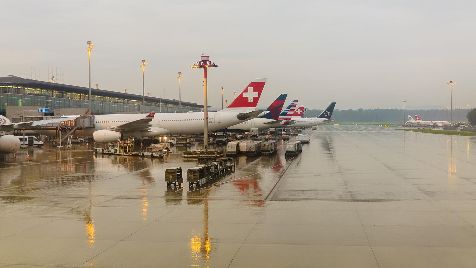 Průvodce poletištích: Doprava zletiště, terminály, odlety apřílety