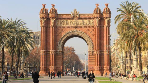 Levné letenky na víkend: Portugalsko od 478 Kč, Milán zPrahy od 796 Kč, Barcelona za 1578Kč