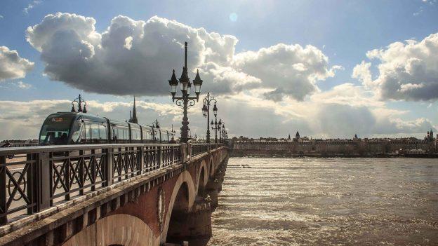 Levné letenky poEvropě: Bordeaux od 693 Kč, Rhodos od 672 Kč, Madrid od 523Kč