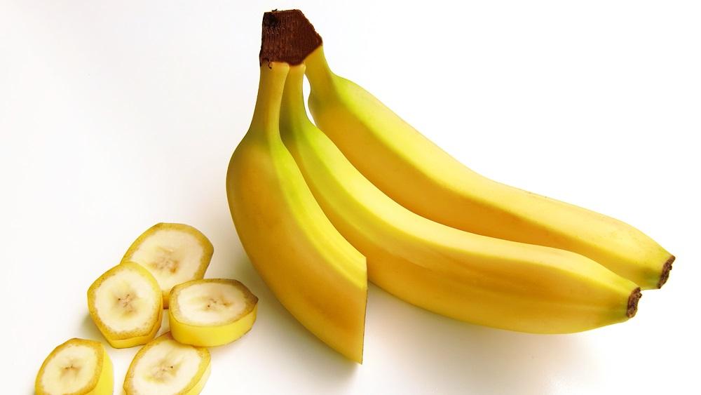 Proč je banán zahnutý