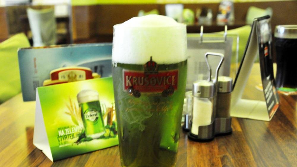 Proč je zelené pivo zelené | János Korom Dr.