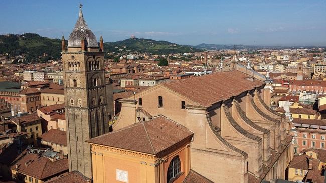 Průvodce po Boloni: 9 věcí, které musíte vědět před odletem