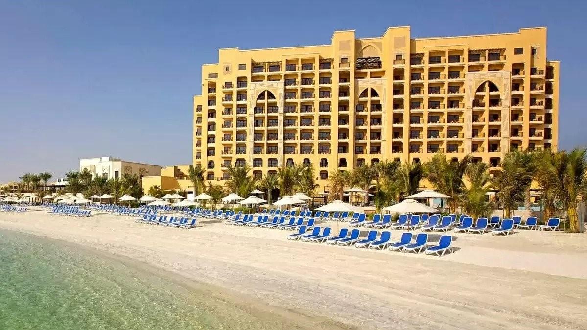 Spojené arabské emiráty zPrahy na 5dní za 17690Kč (polopenze, 5* hotel)