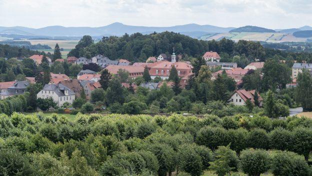 Tip na výlet do Herrnhutu: Ochranovská hvězda, magický hřbitov, Moravští bratři