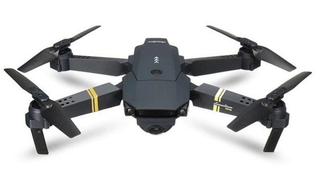 Tipy zAliExpressu: Chytrá TV za 1267 Kč, dron sHD kamerou za 886Kč adalší dárky pro muže