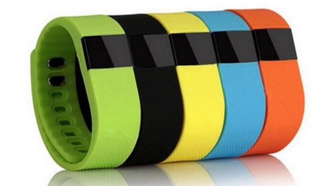 Tipy z Aliexpressu: 7 fitness náramků, které zde koupíte levněji než v ČR