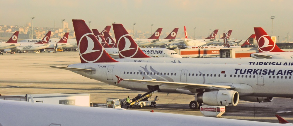 Turkish Airlines   © Rexwholster - Dreamstime.com