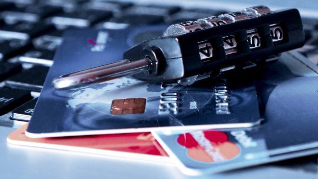 Virtuální karty pro bezpečné platby na internetu: Kdo je nabízí ajaké jsou jejich výhody