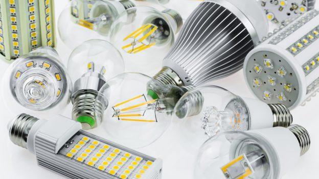 Vyplatí se pronájem úsporných LED žárovek od RWE?