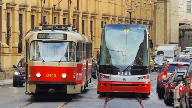 Vyzkoušeli jsme Levnou tramvajenku: Jak služba funguje akdo sní ušetří?